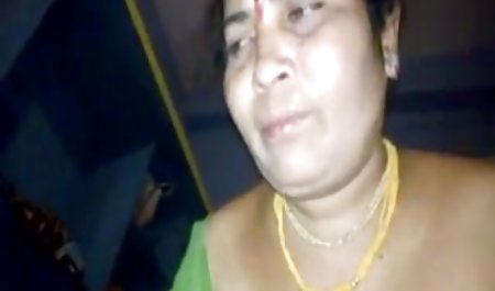 மனைவி ஆபாச ஆன்லைன் முதிர்ந்த பெண்கள் காட்டில் 2 நண்பர்கள்