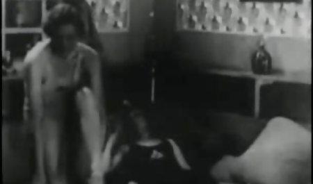 காதலர்கள் மார்பகங்கள் நெரிப்பத முதிர்ந்த பெண்கள் பாட்டி